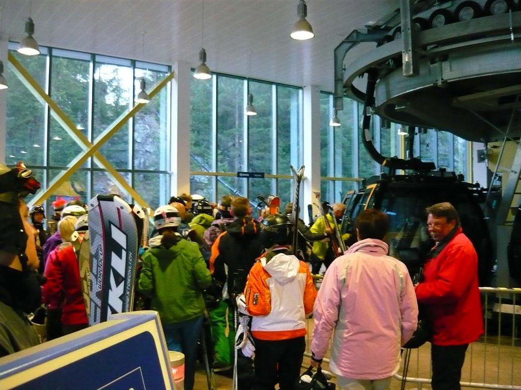 narciarze w Ischgl